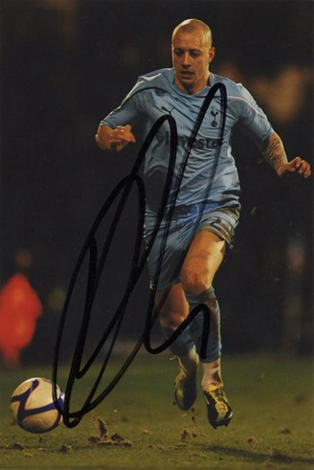 Alan Hutton, Tottenham Hotspur, signed 6x4 inch photo.
